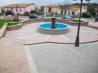 piazza2intrachiterossagrigiagiallaeviola.jpg
